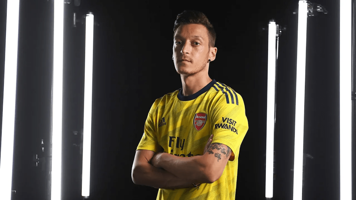 Mesut Ozil Joins Fenerbahce On A Free Transfer; The Best Of Ozil Compilation (VIDEO)